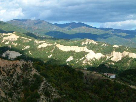 Climate & Weather Averages in Zlatni pyasatsi, Bulgaria